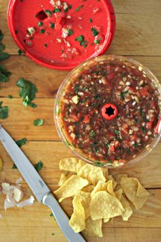 The BEST Recipe for Homemade Salsa #fresh #salsa