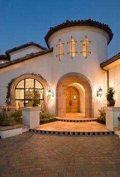 Architecture Unique, Spanish Architecture, Mediterranean Architecture, Architecture Interiors, Mexican Style Homes, Spanish Style Homes, Spanish House, Spanish Colonial, Spanish Modern