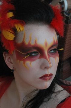 DIY Halloween Makeup : Phoenix make-up