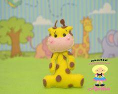 minha girafa em feltro feito por anika mimos