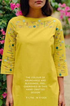 Embroidery On Kurtis, Kurti Embroidery Design, Embroidery Fashion, Embroidery Dress, Hand Embroidery, Simple Kurta Designs, Kurta Designs Women, Blouse Designs, Tunic Sewing Patterns