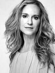 Holly Hunter - Nascimento: 20/03/1958 - País de nascimento: Estados Unidos. Vencedora de (1) Oscar pela Academia, até o ano de 2014. Holly venceu pelo trabalho em: (O Piano, 1993), além de outras (3) Indicações. Venceu também (1) Palma de Ouro. Venceu também (1) Globo de Ouro, além de outras (2) Indicações.