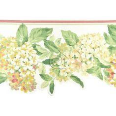 Cenefa de hortensias en tonos bermellones, tostados y blancos con hojas verdes y fondo blanco roto.   La cenefa tiene el borde inferior troquelado siguiendo el contorno del motivo floral lo que acentúa su estilo romántico – clásico.
