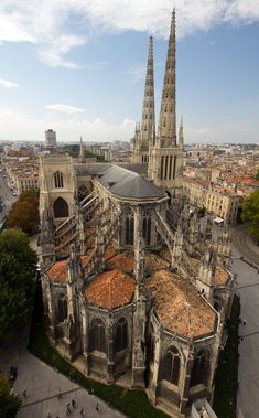 The top of Cathédrale Saint-André de Bordeaux.   Cathédrale Saint-André de Bordeaux – is a stunning twin-steepled church in the centre of the city.    Consecrated by Pope Urban II in 1096, it has a storied history and was where French King Louis VIII married Eleanor of Aquitaine in 1137.    Little remains of the original 11-the century structure, with the nave altered in the 12th and 15th centuries and the rest of the structure – including the two spires – built in the 13th and 14th…