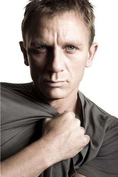 Rachel Weisz e Daniel Craig: Namoro ? Daniel Craig James Bond, Rachel Weisz, James Bond Actors, Daniel Graig, Best Bond, Z Cam, Raining Men, Mannequins, Gorgeous Men