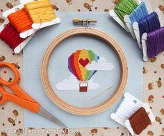 Cute Rainbow Hot Air Balloon Easy Beginners от FuzzyFoxDesigns