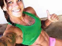 A picture of Aurora Lauzeral. This site is a community effort to recognize the hard work of female athletes, fitness models, and bodybuilders. Quick Morning Workout, Morning Workout Routine, Ripped Girls, Stubborn Belly Fat, Lean Body, Green Shirt, Girls Who Lift, Going To The Gym, Make Time