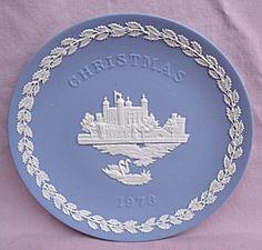 WEDGWOOD JASPERWARE 1973 BLUE CHRISTMAS PLATE