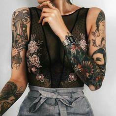 Modus - Künstler tattoo old school tattoo arm tattoo tattoo tattoos tattoo antebrazo arm sleeve tattoo Mens Shoulder Tattoo, Shoulder Tattoos For Women, Girls With Sleeve Tattoos, Tattoo Girls, Tattoos For Guys, Tattoo Sleeve Girl, Colorful Sleeve Tattoos, Tattooed Guys, Trendy Tattoos