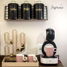 Coffee Bar Station, Coffee Station Kitchen, Coffee Bar Home, Home Coffee Stations, Coffee Corner, Home Organisation, Kitchen Organization, Coffee Doodle, Jewelry Organizer Drawer