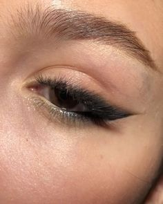 SIMPLE MAKEUP up for brown eyes ideas ideen fasching products tutorial videos Makeup Makeup Light Eye Makeup, Eye Makeup Steps, Makeup Eye Looks, Cat Eye Makeup, Smokey Eye Makeup, Droopy Eye Makeup, Daily Eye Makeup, Almond Eye Makeup, Lip Makeup