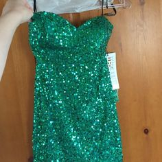 Green Aylce Paris prom dress! Strapless green sequin prom dress from Alyce Paris. Never worn! Comes with attachable spaghetti straps. Alyce Paris Dresses Prom