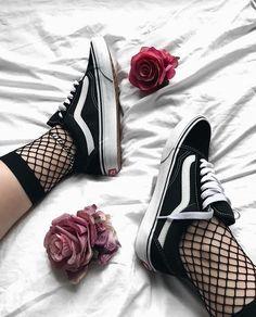 #vans #black #white #roses #bed #girl #tumblr