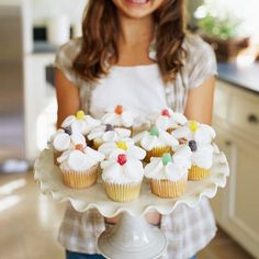 Easy floral cupcakes made with gumdrops and marshmallow slices for petals.