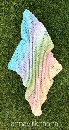 Ravelry: Sweet Dreams Babyblanket pattern by Anna Nilsson Crochet Baby, Knit Crochet, Crotchet, Sweet Dreams, Crochet Projects, Crochet Patterns, Knitting, Ravelry, Crafts