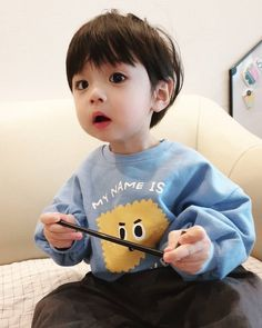 Cute Baby Boy, Cute Little Baby, Little Babies, Cute Boys, Baby Kids, Cute Asian Babies, Korean Babies, Asian Kids, Cute Chinese Baby