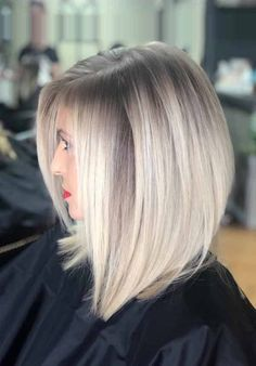 15 Short Hairstyles For Fine Hair : Best Short Fine Hair Cuts For Women Are you looking for some lovely Short Hairstyle for your Fine Hair? You may give an eye to the collection where we have got some amazing Short Hairstyles For Fine Hair. Short Curly Hairstyles For Women, Curly Hair Styles, Haircuts For Fine Hair, Bob Haircuts, Fine Hair Styles For Women, Black Hairstyles, Hairstyles 2016, Women Hair Cuts, Fine Short Hair Styles