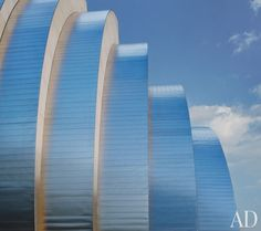 Moshe Safdie's Kauffman Center for the Performing Arts - Kansas City