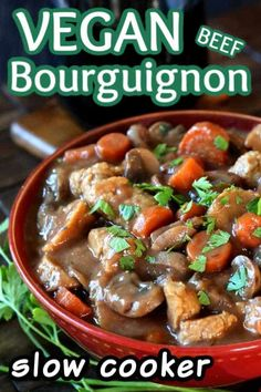 Vegan Beef Bourguignon Recipe is from the Slow Cooker is a must-make. It has a rich broth and is packed with healthy vegetables such as mushrooms and carrots. So simple, and you'll be amazed at how hearty this dish is! Vegan Beef, Vegan Slow Cooker, Slow Cooker Recipes, Crockpot Recipes, Copycat Recipes, Vegan Food, Beef Bourguignon Slow Cooker, Vegetarian Mushroom Recipes