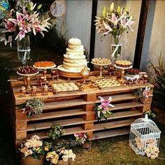 Decoração da mesa de doces no casamento