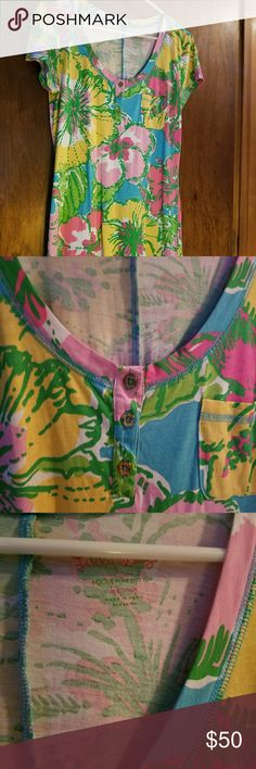 Lilly Pulitzer Medium Palmira dress - EUC Lilly Pulitzer fun big flirt print Palmira dress - Medium - EUC - bought on Posh and never wore - selling for less than my purchase price - bundle with the other Lilly in my closet for a 15% discount Lilly Pulitzer Dresses