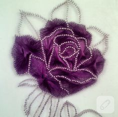 Isn& that an elegant example of nail art? / So elegant, string art. Diy Crafts For Tweens, Arts And Crafts, Arte Linear, Tambour Beading, Crochet Doily Patterns, Doilies Crochet, Paper Embroidery, Embroidery Dress, String Crafts