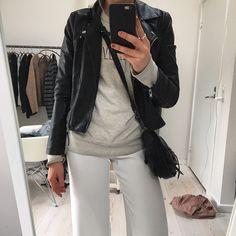"""31 Synes godt om, 10 kommentarer – Sælger tøj og andet (@sellout_emiliasilberg) på Instagram: """"Vero moda læderjakke i imiteret skind - 200"""""""