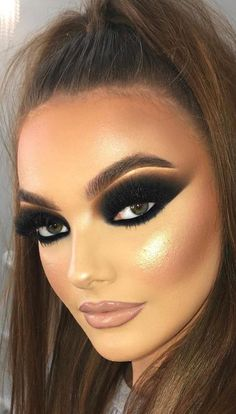 Fun Colorful Eyeshadow Ideas For Makeup Lovers Part eyeshadow looks; eyeshadow looks step by step Colorful Eye Makeup, Colorful Eyeshadow, Simple Makeup, Natural Makeup, Pastel Makeup, Natural Beauty, Eyeshadow Designs, Eyeshadow Makeup, Eyeshadow Ideas