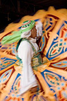 La Feria Internacional de los Pueblos de Fuengirola es una gran fiesta participativa donde se baila, se come y se disfruta de la música, la gastronomía y el arte de más de 30 países. FIP Fuengirola is a very participative celebration where visitors dance, eat and enjoy actively of gastronomy, music and arts of more than 30 different countries and regions of the five continents. En torno al 1 de mayo /around may 1st. (Fuengirola, Málaga, Andalucia, Andalusia, España, Spain)