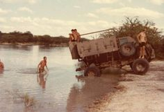 Diving from the buffel Once Were Warriors, Army Pics, Army Day, Brothers In Arms, Defence Force, Troops, Soldiers, My Land, Armored Vehicles
