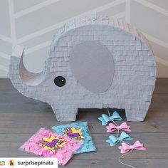 Ideas Baby Shower Ideas For Girls Themes Elephant Gender Reveal For 2019 Gender Reveal Pinata, Gender Reveal Party Games, Gender Reveal Party Decorations, Gender Party, Baby Shower Gender Reveal, Reveal Parties, Elephant Theme, Elephant Party, Baby Elephant