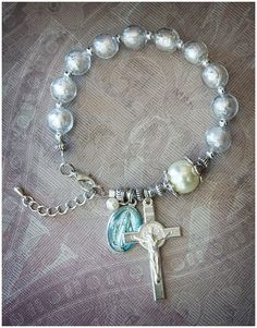 Rosary Bracelet Divine by AngelaVenableArt on Etsy Cross Jewelry, Beaded Jewelry, Jewelry Bracelets, Handmade Jewelry, Bracelet Making, Jewelry Making, Rosary Bracelet, Christian Jewelry, Religious Jewelry
