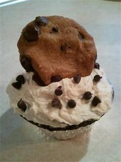 Chocolate Cookie Dough Cupcake : w/ a Cookie Dough Center