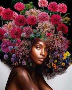 Artista transforma cabelo afro em floresta para criar Mãe Natureza negra - Geledés