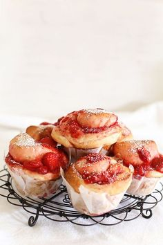 strawberry buns with vanilla bean glaze