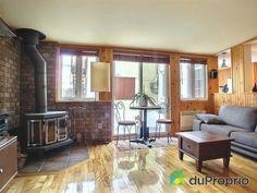Salon Home Appliances, Wood, Home Decor, Living Room, House Appliances, Decoration Home, Woodwind Instrument, Room Decor, Timber Wood