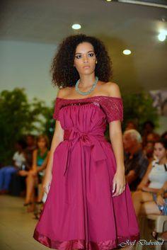 Denis Devaed : « La robe créole donne une grande liberté d'expression » - TwèléLokans Afro Style, Fashion Line, Valentino, Chiffon, Formal Dresses, Lady, My Style, Model, Cocktail