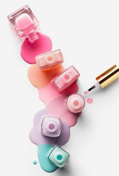 Pastel nails are a fresh look for fall. The easiest way to start championing new season style is to try your hand at the latest beauty trends. Nails Polish, White Nail Polish, Nail Polish Colors, White Nails, Kawaii Nail Art, Nail Salon Design, Nail Logo, Nail Quotes, Nail Designer