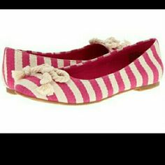 Comfy Flats -Was $17 Fushia and light Beige comfy flats. Never Worn. Don't pass up this awesome shoe!! BC Footwear Shoes Flats & Loafers