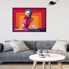 Helg!! DJ Grieg er klar til å trollbinde deg med sine nydelige noter  Ha en flott fredag alle sammen! Flat Screen, The Originals, Design, Blood Plasma, Flat Screen Display, Design Comics, Dish Display