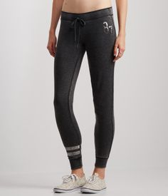 Shop Aeropostale for Guys and Girls Clothing. Browse the latest styles of tops, t shirts, hoodies, jeans, sweaters and more Aeropostale Sport Outfits, Girl Outfits, Cute Outfits, Fashion Outfits, Aeropostale, Gym Pants, Jogger Sweatpants, Guys And Girls, New Fashion
