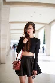 Resultado de imagen para croptop y faldas con medias