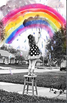 Un oeil créatif et la magie de Photoshop: Un layer d'un dessin de votre enfant et un layer d'une photo de votre enfant qui dessine. Une super déco!