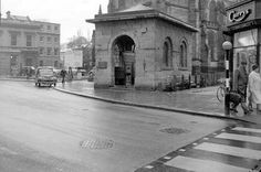 Leamington Old Town - Old Althorpe Well in All Saint's Square/Victoria Square Then And Now Photos, Coventry City, Places Of Interest, Old Town, England, Street View, History, Genealogy, Victoria