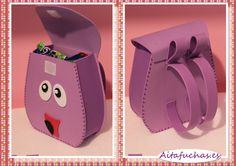 bolsitas dora - Buscar con Google Foam Crafts, Diy And Crafts, Paper Crafts, Minnie Mouse 1st Birthday, Baby Birthday, Ideas Para Fiestas, Frozen Party, 3rd Birthday Parties, Book Activities