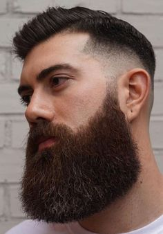 These 19 thick beard styles will make you the talk of the town and forever elevate your beard game to greater level. Latest Beard Styles, Long Beard Styles, Hair And Beard Styles, Great Beards, Awesome Beards, Thick Beard, Big Beard, Beard Game, Viking Beard