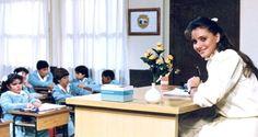 Magazino1: Δείτε πώς είναι σήμερα η δασκάλα του θρυλικού «Καρ...