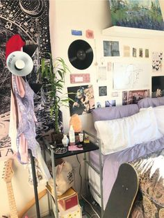 33 Vintage Bedroom Decor Ideas to Turn your Room into a Paradise - The Trending House My New Room, My Room, Dorm Room, Room Ideas Bedroom, Bedroom Inspo, Hipster Bedroom Decor, Dream Rooms, Dream Bedroom, Indie Room