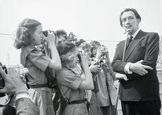 salvador dali su vida en fotos | Una breve semblanza de Salvador Dalí (Figueras…