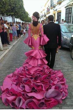 10 Things You Didn´t Know About Spanish Weddings Costume Flamenco, Flamenco Dancers, Flamenco Dresses, Evening Dresses, Formal Dresses, Wedding Dresses, Estilo Cowgirl, Spanish Dress, Spanish Wedding